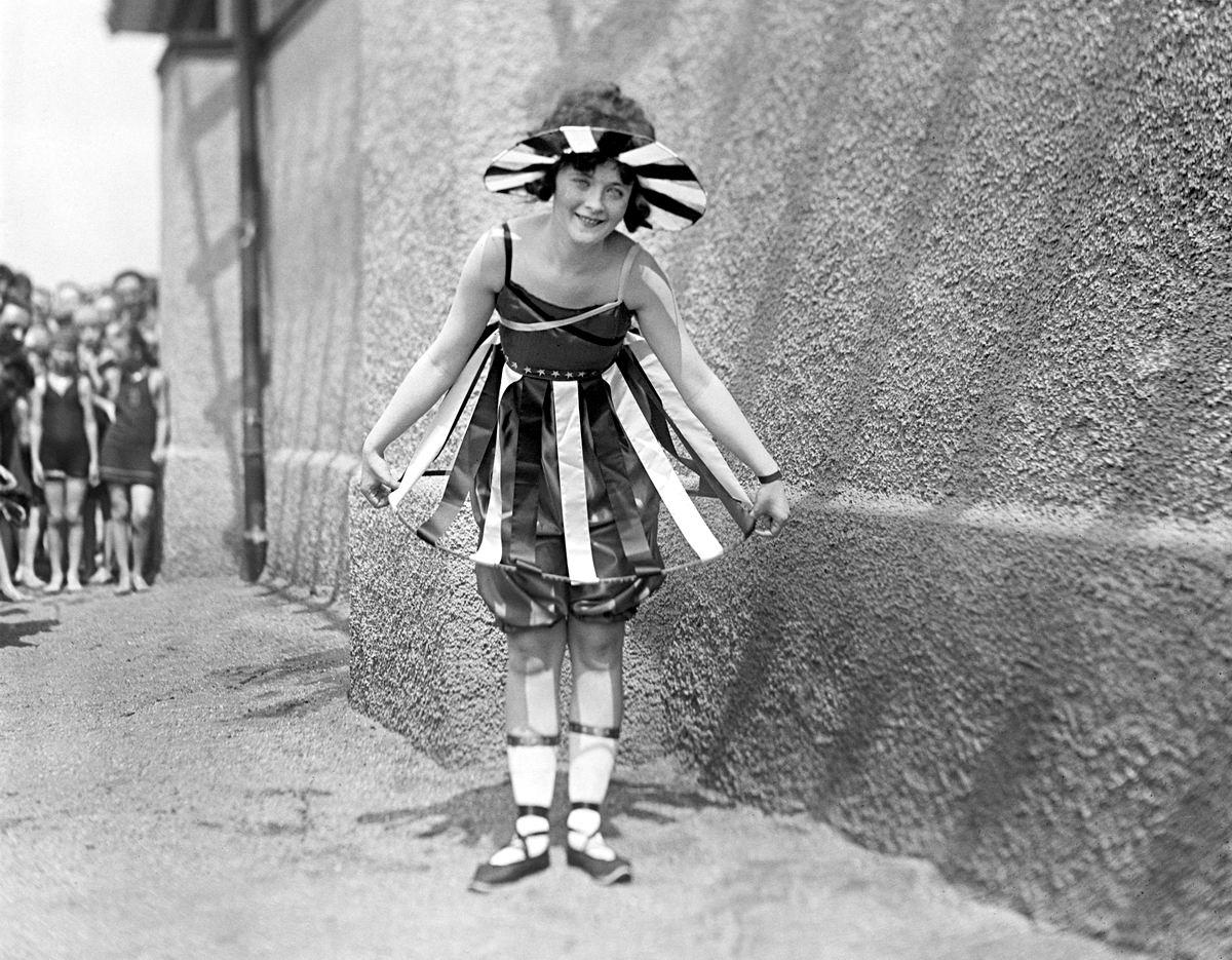 Вот такая Коломбина: На конкурсе пляжных костюмов (США, 1919 год)