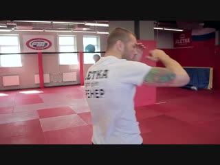удары локтями в тайском боксе от Андрея Басынина