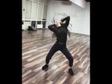 Энергично танцует [Нетипичная Махачкала] Элджей Feduk - Розовое вино