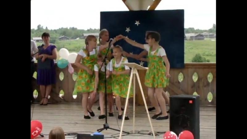 танец Кадриль (ансамбль Каприз Двиница, День молодёжи - 2012)