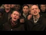 суровые футбольные фаны поют песню Даррена Хейза XD