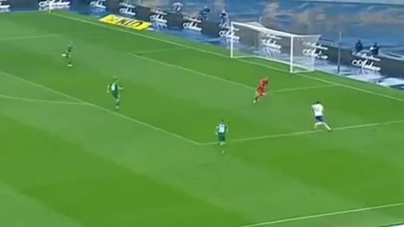 Як Динамо забивало перший гол Ворсклі (34 хв. Даллку автогол)
