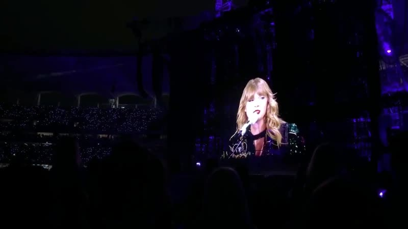 Taylor Swift - I Knew You Were Trouble (Acoustic) (Live at Reputation Stadium Tour, Perth)