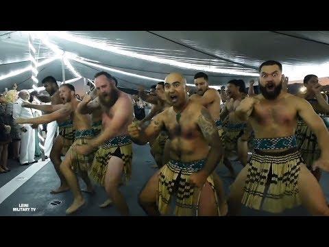 Танец ХАКА на фрегате ( HMNZS Te Mana ) Королевский флот Новой Зеландии база ВМС США Pearl Harbor