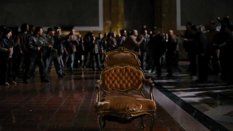 The Dark Knight Rises - Crane's Court Cases (HD) IMAX