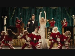 Gwen Stefani feat. Blake Shelton - You Make It Feel Like Christmas (Official Video)