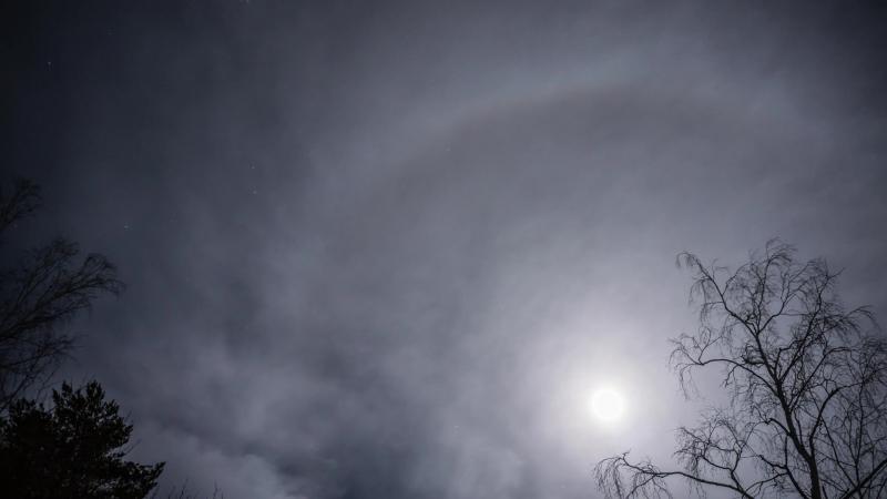Восход луны Time-lapse