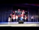 дети учат взрослых Пап, как нужно танцевать