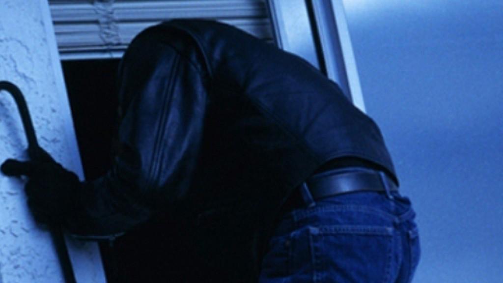 50-летний таганрожец украл из бывшего кафе холодильную установку и сдал на металлолом