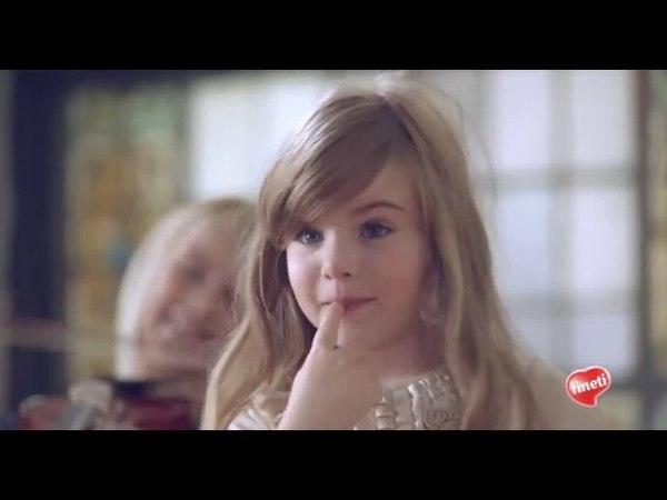 Реклама Финети Дипс н Стикс - Ешь и играй