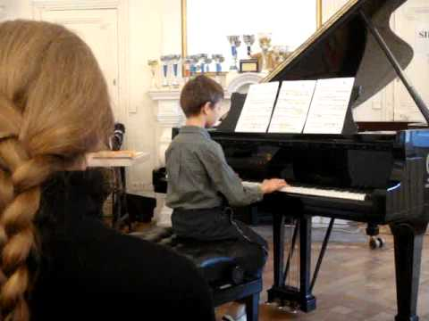Pachelbel - Chaconne. Regional piano competition - French Riviera. Maxime, 9 years old.