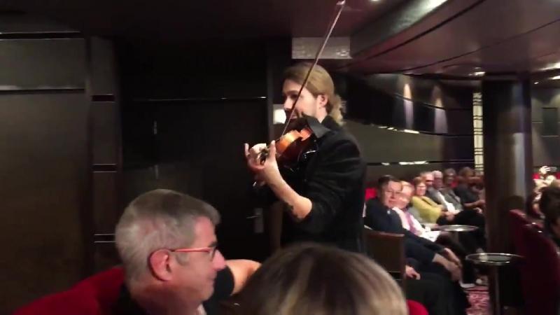 Queen Mary 2 David Garrett концерт 01.11.2017_Video by Alisa Selezneva