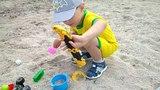 Развитие мелкой моторики. Игры с песком на свежем воздухе. Двойная польза развитие мелкой моторики