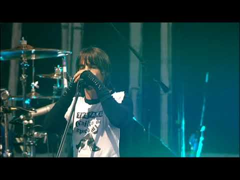 Red Hot Chili Peppers - Scar Tissue LIVE Slane Castle HD
