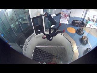 Серфинг в воздухе, сит флай и другие позы на тренировке с FlyStation