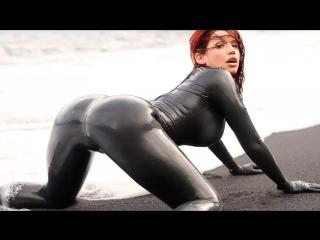 Молодые девочки трясут попками [задница тверк попки сиськи горячие тела booty shake ass boobs]_720p
