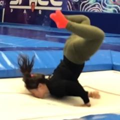 """?Дитя искусства? on Instagram: """"Легонько поцеловала батут?? Видео о том, как весело мы поиграли в добавления с @dimasdgk и @trampoline_katya"""""""