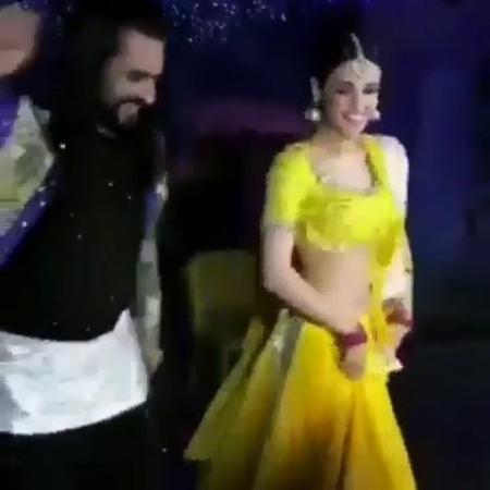 """Rangrasiya_sensizolmaz_parud on Instagram: """"😍😍💃🕺 @sanayairani @ashish30sharma84 . . . rangrasiya rangrasiyaturkey sensizosensizolmaz rudraprata..."""