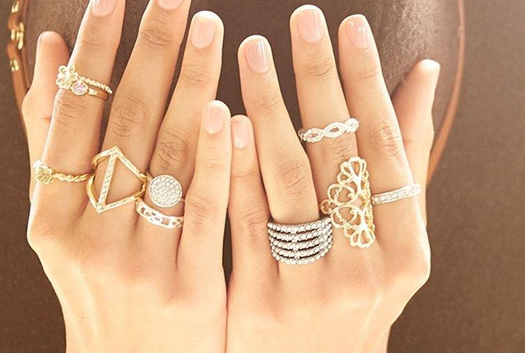 Кольца на всех пальцах 2018