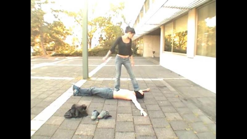 Cheyenna - Barefeet Trampling of a very cool girl - I