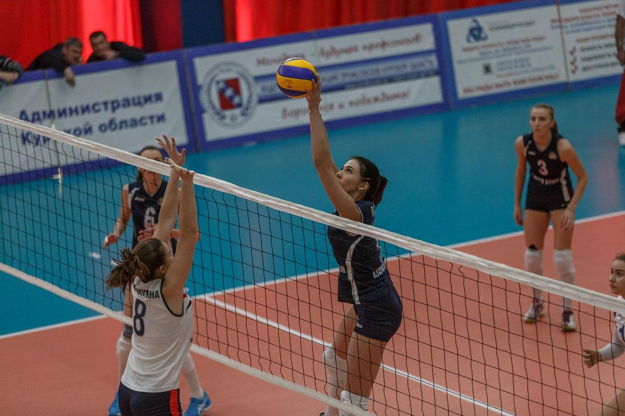 Курские волейболистки дважды обыграли соперниц из Воронежа