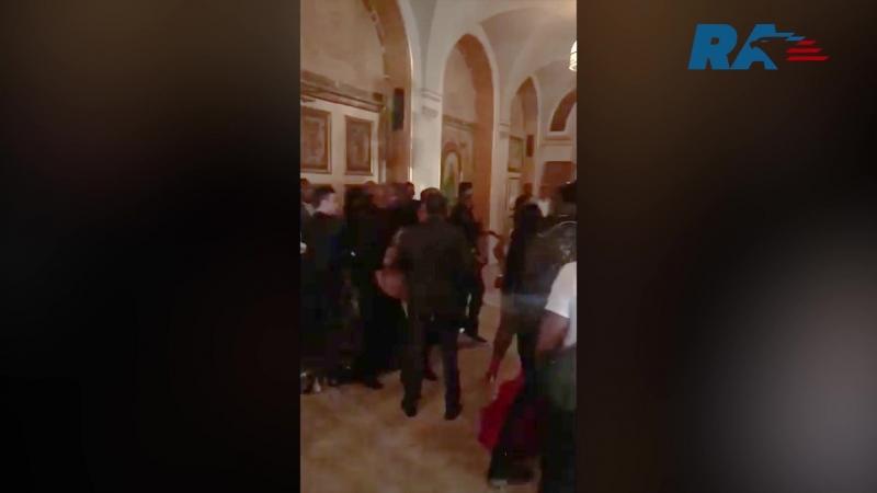 Рэперша Карди Би получила огромную шишку в стычке с Никки Минаж смотреть онлайн без регистрации