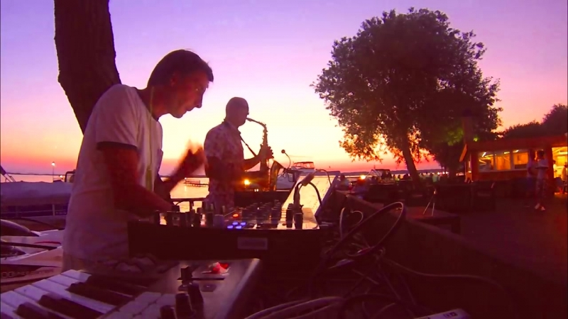 Sax Dj - Improvisation at sunset