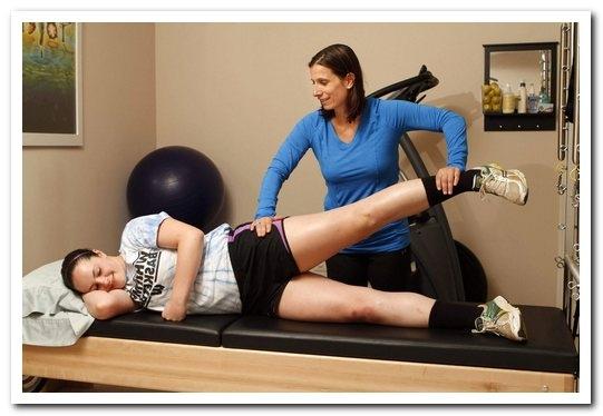 Динамические и статические упражнения при лечебной гимнастике артроза коленного сустава разработка плечевого сустава после перелома видео