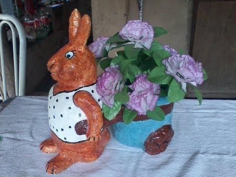 Você sabia? que com tecido,cimento e uma garrafa pet da para fazer um lindo Vaso.