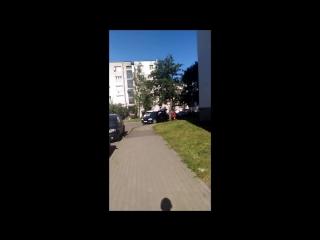 Двое с топорами в Бресте охотятся на человека
