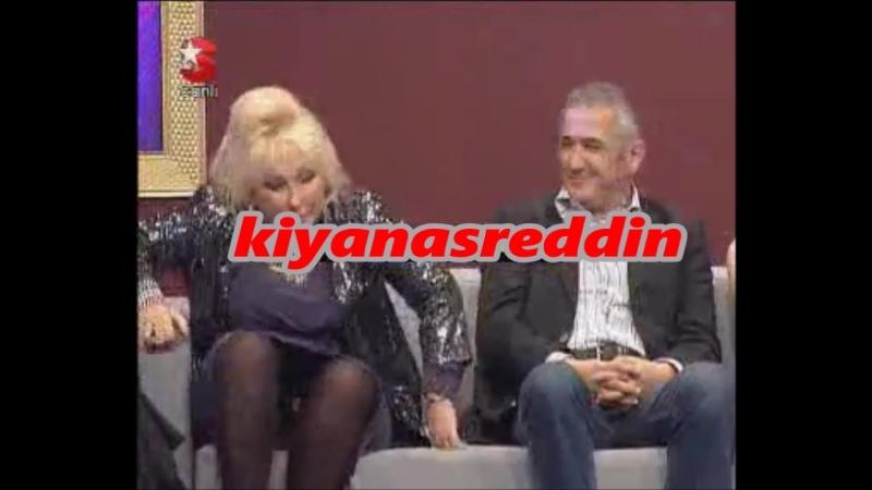 Türk jet sosyetesinden Sema Çelebi televizyonda beyaz kilotunu göstererek frikik veriyor