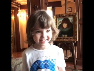 Лиза и Гарра Галкины поздравили свою маму Аллу Пугачеву с днем рождения