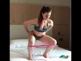Тренировка на кровати