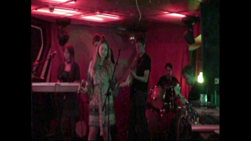 Бумажный Волк Марьино (Blur Cafe 15.04.2011)