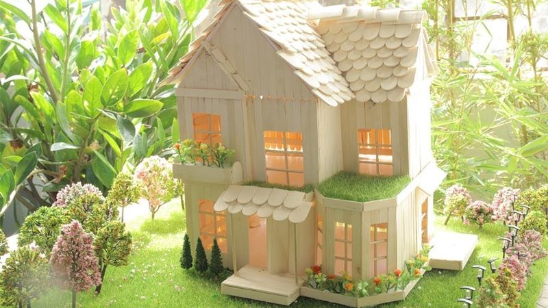 Cách làm nhà bằng que kem gỗ có thêm sân vườn rộng