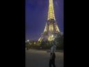 Эйф башня светится
