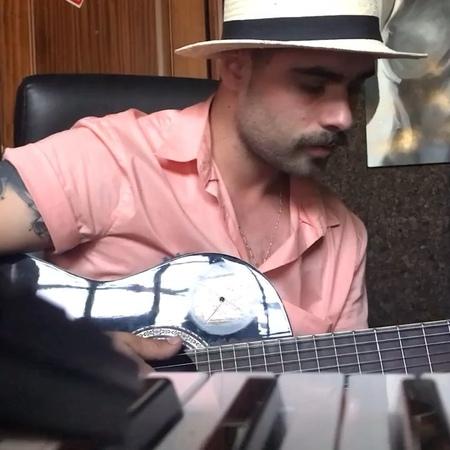 "André ""Ash"" Castanheira on Instagram: ""elptestamo maluma sing goodvibe lovelife acousticguitar soul rnbmusic"""