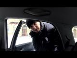 Молодой Человек САЖУСЬ В ЧУЖИЕ АВТО. ПРАНК над автомобилистами.