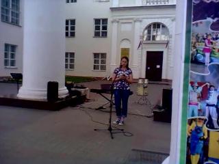 Поэтический дворик - А.Зайцева читает свое стихо о Вере Холодной