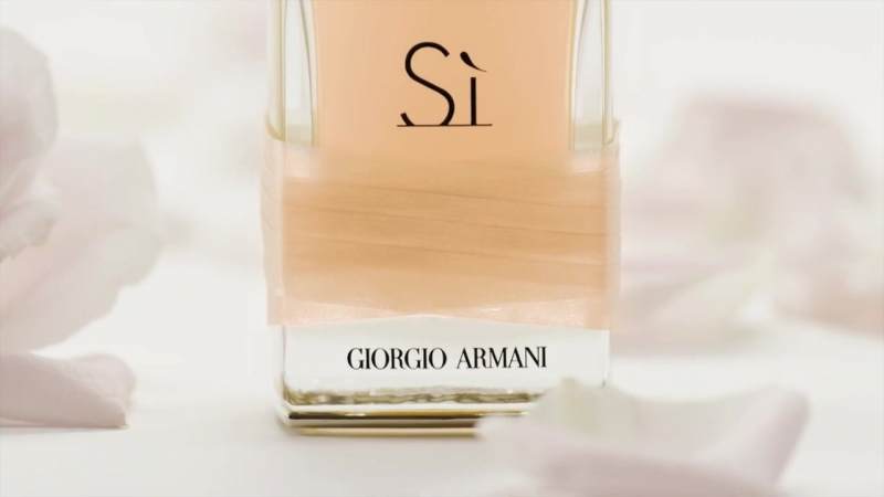 Giorgio Armani - Armani Si Rose Signature - TV Commercial.mp4