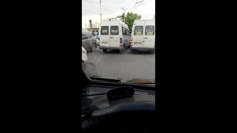 Еще один нарушитель ПДД. УОБДД оштрафовали водителя маршрутки