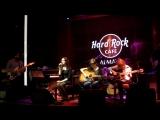 Отчетное выступление Дениса в Hard Rock кафе