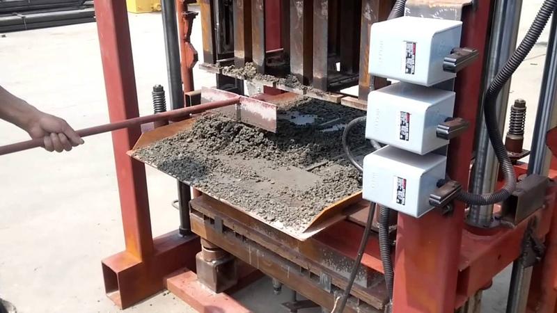 QTJ4-40 concrete hollow block machine operation process