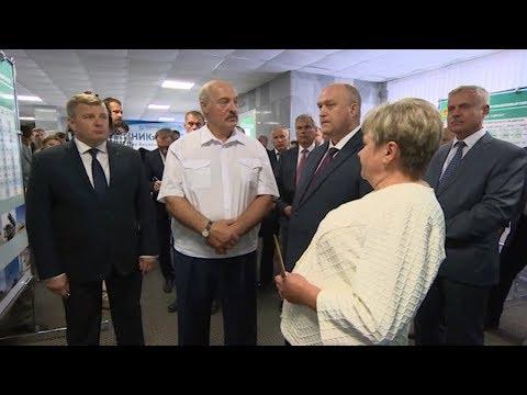 Лукашенко Вы через этаж превратили это здание в туалет