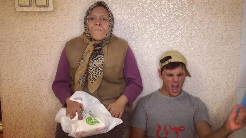 """Андрей Борисов on Instagram """"Моя бабушка @lolo_antik считает что в России нужно запретить героин, амфетамин, метадон и очереди в поликлинику. Пото..."""