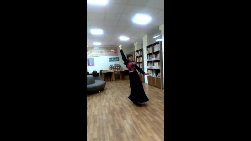 Испанский танец исполняет Свелана Карасева библиотекиювао южнопортовый библиотека121