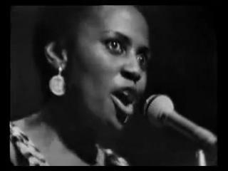 Miriam Makeba - Amampondo