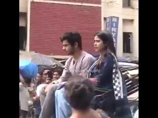 Ишаан и Джанви на съёмках Dhadak