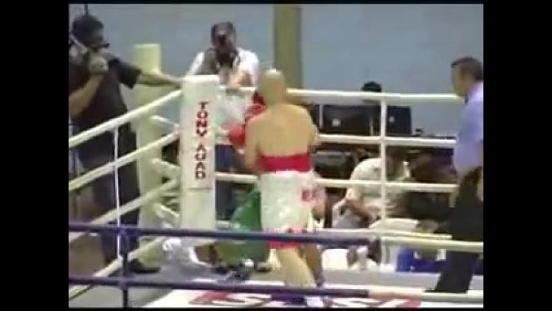 Представляю вам супер нокаутера из Бразилии - Майк Тусон Миранда 17 лет в боксе, 44 победы, 40 нокаутом.