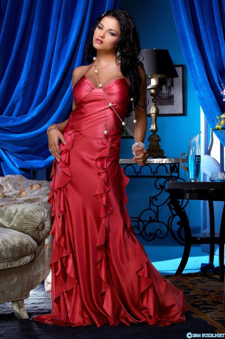 Hot latina show tits on webcam